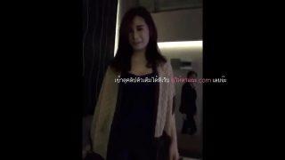 คลิปหลุดเ็กนั่งดริ๊คสาวไทยสวยมากๆงานดีโครตโดนลูกค้าวีไอพีบ้ากามลากไปกินตับบนคอนโด
