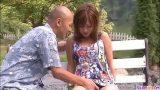 ดูหนังavวัยรุ่นสาวญี่ปุ่นตัวล็กๆสวยมากๆโดนผัวหัวล้านบ้ากามจับแก้ผ้าเย็ดหีในสวนสาธารณะ