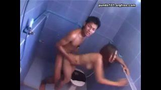 แอบถ่ายพี่ชายแก้ผ้าเย็ดกับแฟนสาวในห้องน้ำผู้หญิงงานดีมากๆนมใหญ่เต็มไม้เต็มมือสุดๆ